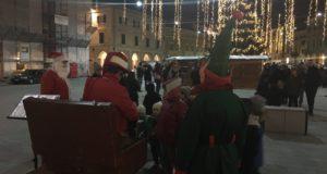 La piazza si anima con le iniziative natalizie