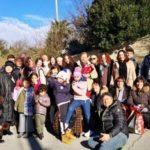 La foto di gruppo con la Befana