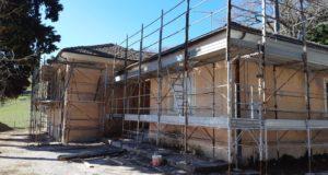 Il cantiere nell'ex scuola di Stigliano