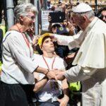Lucia e Marco con Papa Francesco