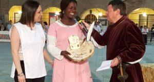La premiazione del Castello di Taccoli, primo nel Gioco della brocca