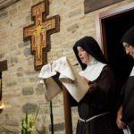 Il momento di ascolto e preghiera dalle Clarisse