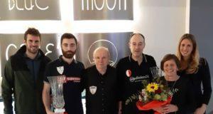 La premiazione dei vincitori con i familiari di Cesare Petrocchi