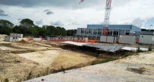 L'area degli scavi con il cantiere fermo
