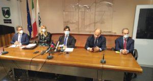 La conferenza stampa di Acquaroli e della Giunta regionale
