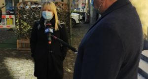 Il sindaco davanti alle telecamere di Mediaset