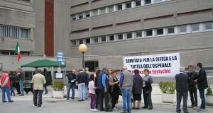 Cittadini mobilitati per salvare l'ospedale
