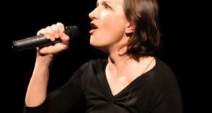 Maddalena Crippa, protagonista del primo spettacolo