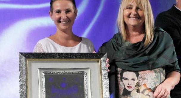 Ludovica e Claudia premiate alla Mostra Attività produttive (foto Studio 44 - www.lauradellamora.com)