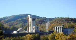 Un'immagine del cementifico di Castelraimondo-Gagliole