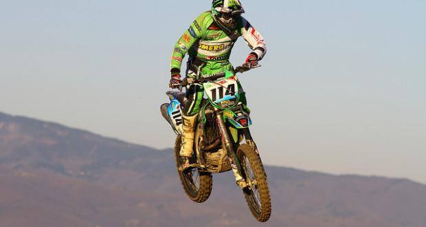 Della Mora in sella alla sua Kawasaki