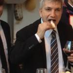 Il governatore della Puglia, Nichi Vendola, degusta i prodotti del nostro territorio