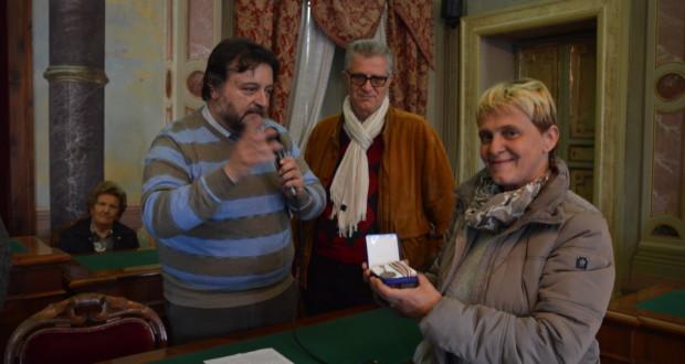 Un momento della cerimonia in municipio