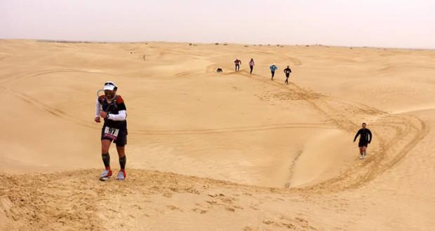Un'immagine della maratona nel deserto