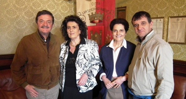 Italina Ridolfi e Palmina Gentili con il sindaco Martini e l'assessore Pelagalli