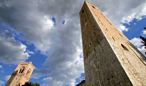 Le torri al Castello (foto Claudio Scarponi)