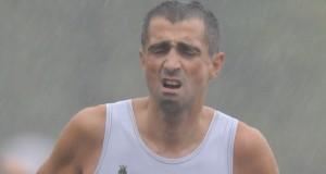Alberto Cambio in una competizione sotto la pioggia