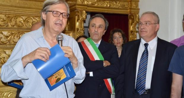 Sgarbi con il sindaco di Esanatoglia e il presidente della Comunità montana