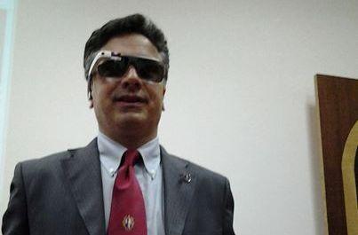 Il rettore Corradini con i Google glass