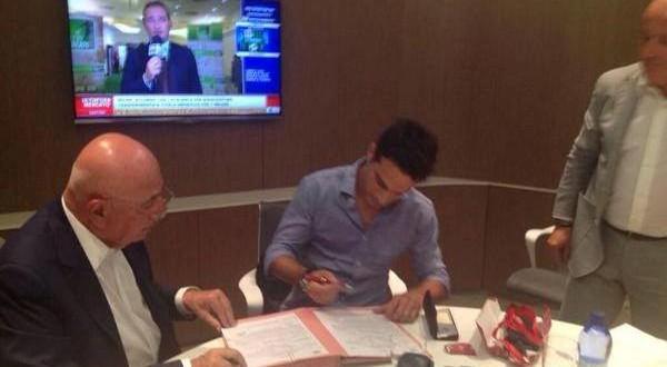 Bonaventura e Galliani alla firma del contratto