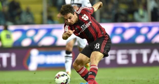 Giacomo Bonaventura in azione con la maglia del Milan