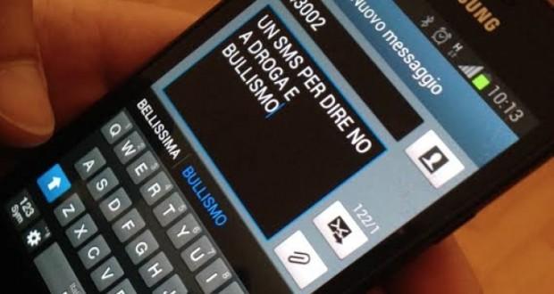 """Servizio """"sms"""" contro il bullismo e l'uso di stupefacenti"""