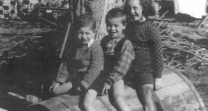 Edoardo a Serripola gioca assieme a Elio e Frida Di Segni