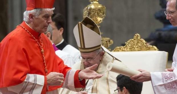Il cardinale Menichelli con Papa Francesco