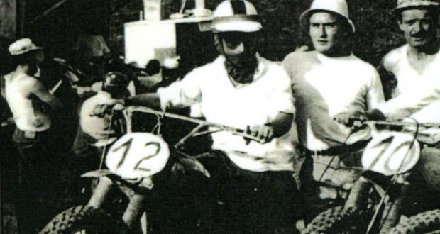 Pacifico Scarponi al via di una gara di motocross (1966)