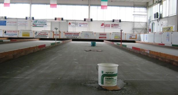 Secchi per l'acqua all'interno del Bocciodromo
