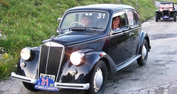 Nardino Carnevali e Nadia Canuti su Lancia Ardea del '52
