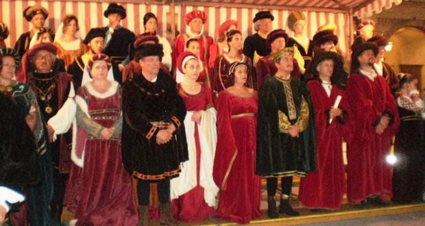 Personaggi in costume d'epoca (foto d'archivio)