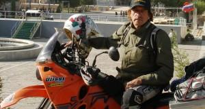 Mario Ulissi in uno dei suoi viaggi in sella all'inseparabile Ktm