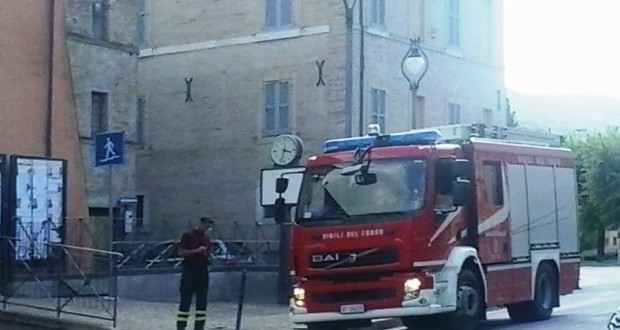 Vigili del fuoco in azione a San Severino