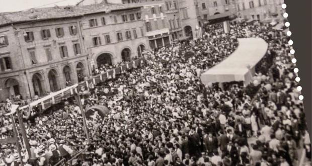 Foto storica della Sagra della porchetta in piazza