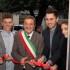 Taglio del nastro: Andrea e Francesco con il sindaco Martini