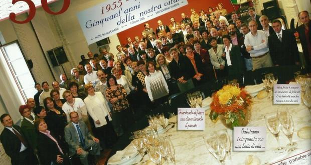 La foto-ricordo scattata in occasione della cena per il 50° compleanno