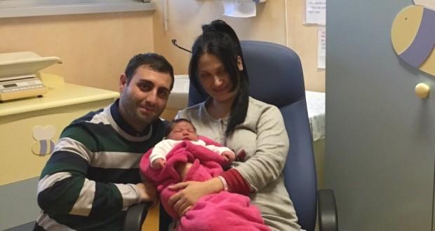 """La piccola Anita: a lei la """"palma"""" del 500esimo bebè nato a San Severino"""