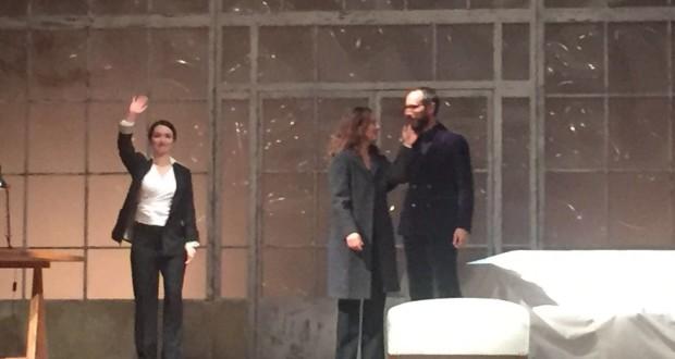 Le protagoniste sul palco del Feronia assieme al direttore artistico Francesco Rapaccioni