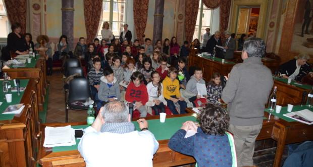 L'incontro nella sala consiliare del municipio
