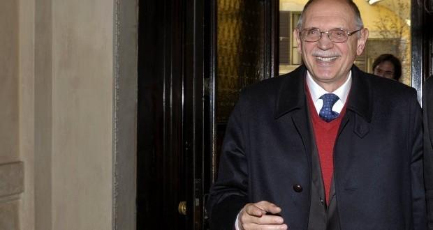 Il prefetto e Commissario straordinario Mario Ciclosi