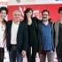 """Simone Riccioni, il primo da sinistra, con gli altri principali attori del film """"Come saltano i pesci"""""""