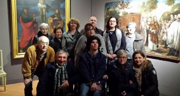 L'assessore Simona Gregori con un gruppo di visitatori