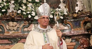 Mons. Antonio Napolioni, vescovo di Cremona