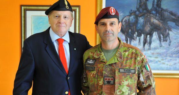 Fabrizio Grandinetti assieme al Colonnello Tassi