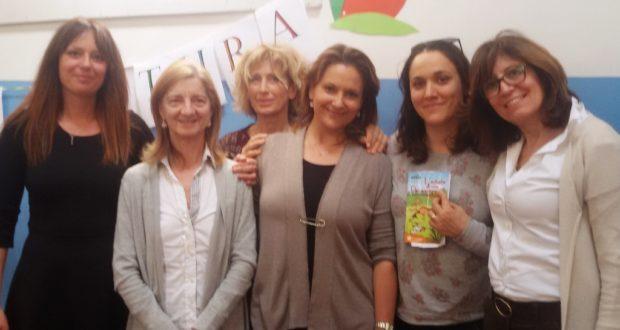 Angela Latini (la seconda da sinistra) assieme alle insegnanti della Primaria di Cesolo