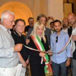 Il taglio del nastro da parte del sindaco Rosa Piermattei