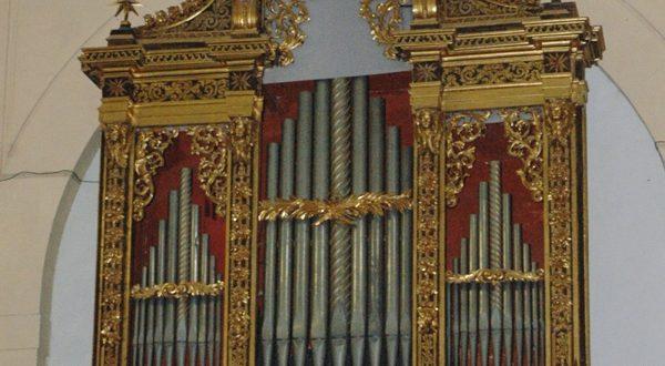 Organo del Catarinozzi al Duomo antico del Castello