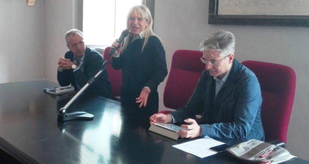 Da sinistra: l'assessore allo Sport, Paolo Paoloni, il sindaco Rosa Piermattei e l'assessore Tarcisio Antognozzi