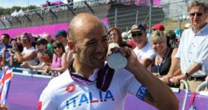 Giorgio Farroni con la medaglia d'argento conquistata a Londra